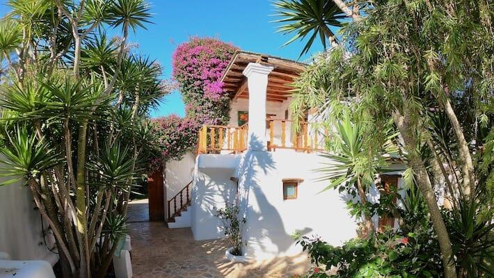 Hotels We Love: Agriturismo Atzaró, Ibiza - Villa (Ph. Alessandro Garzi)