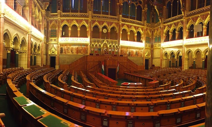 Three Days in Budapest - Chamber of the Peers (Ph. by Sara Pasino)