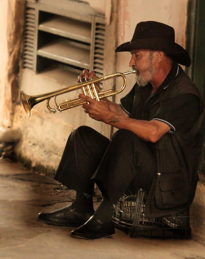 Reportage sulla Grecia - Musicista (Ph. by Valentina Contavalle)